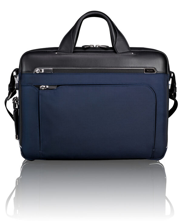 Arrivé Sawyer Brief